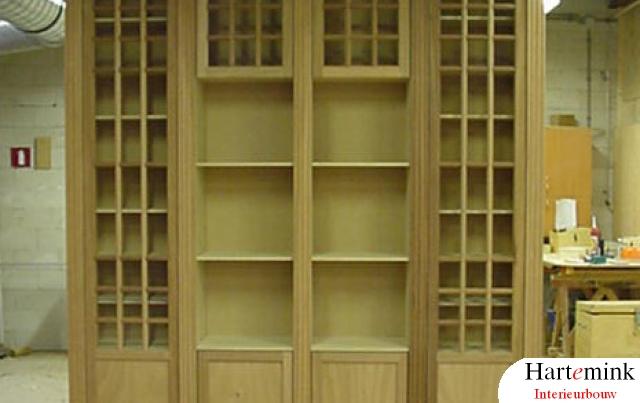 boekenkast in aanbouw