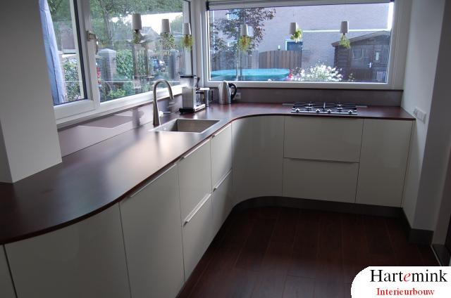 keuken met gebogen fronten